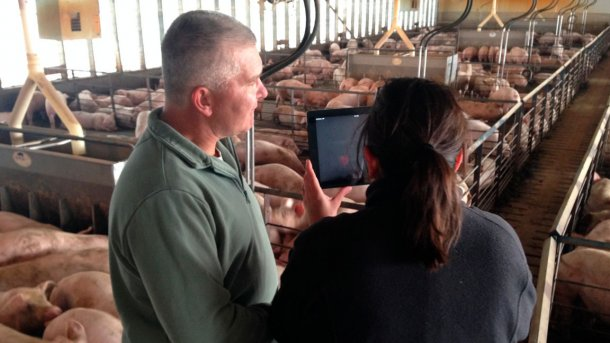 Farmers learn about hosting AgChat sessions in their operations. Photo courtesy of Iowa Ag Literacy Foundation.