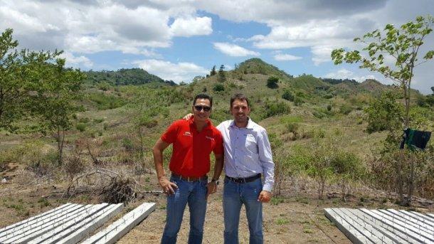 Dr. Jun Punzalan, Filipino partner and CEO of Plaridel Products and Mr. Jordi Coletas export manager of Semen Cardona.