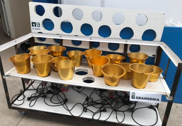 Picture 1: Cart designed for drying and storage of heating lamps from farrowing units (photo courtesy of Grangenia)