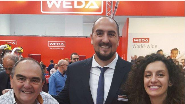 Lucas (mid) and Melina Lasorella (right) from the argentinian WEDA partner Porlaso.